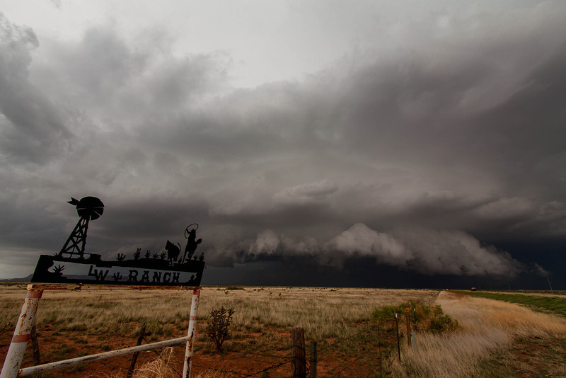 IMAGE: http://ct1co2.smugmug.com/Patricks-Storm-Chasing/Chasecation-2014-/i-MrLn8nP/0/L/Tucumcari%20supercell-L.jpg